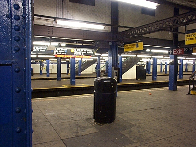 (141k, 640x480)<br><b>Country:</b> United States<br><b>City:</b> New York<br><b>System:</b> New York City Transit<br><b>Line:</b> IND 8th Avenue Line<br><b>Location:</b> 59th Street/Columbus Circle <br><b>Photo by:</b> Richard Brome<br><b>Date:</b> 3/18/1999<br><b>Viewed (this week/total):</b> 0 / 2776