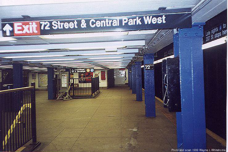 (84k, 740x493)<br><b>Country:</b> United States<br><b>City:</b> New York<br><b>System:</b> New York City Transit<br><b>Line:</b> IND 8th Avenue Line<br><b>Location:</b> 72nd Street <br><b>Photo by:</b> Wayne Whitehorne<br><b>Date:</b> 10/3/1999<br><b>Viewed (this week/total):</b> 6 / 5158