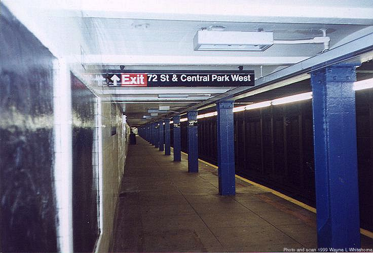 (62k, 736x499)<br><b>Country:</b> United States<br><b>City:</b> New York<br><b>System:</b> New York City Transit<br><b>Line:</b> IND 8th Avenue Line<br><b>Location:</b> 72nd Street <br><b>Photo by:</b> Wayne Whitehorne<br><b>Date:</b> 10/3/1999<br><b>Viewed (this week/total):</b> 1 / 4296