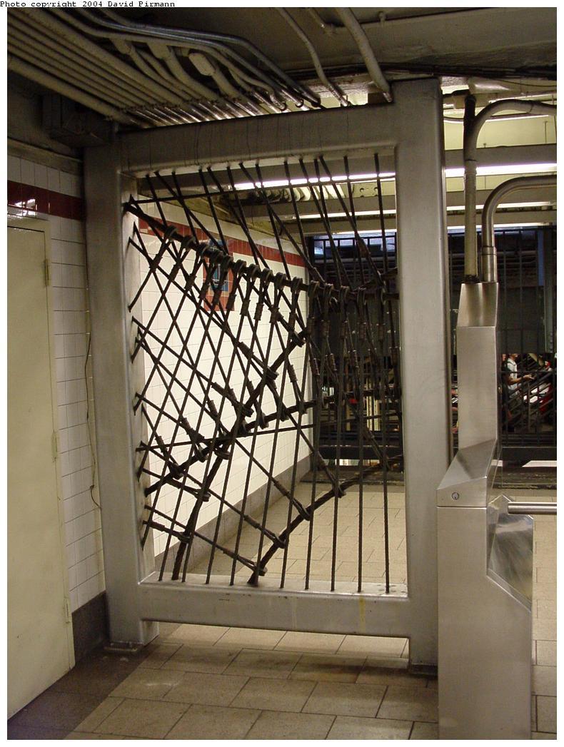 (143k, 790x1047)<br><b>Country:</b> United States<br><b>City:</b> New York<br><b>System:</b> New York City Transit<br><b>Line:</b> IRT East Side Line<br><b>Location:</b> Brooklyn Bridge/City Hall <br><b>Photo by:</b> David Pirmann<br><b>Date:</b> 7/29/2000<br><b>Artwork:</b> <i>Cable Crossing</i>, Mark Gibian (1996).<br><b>Notes:</b> Art installation, south mezzanine.<br><b>Viewed (this week/total):</b> 2 / 6375