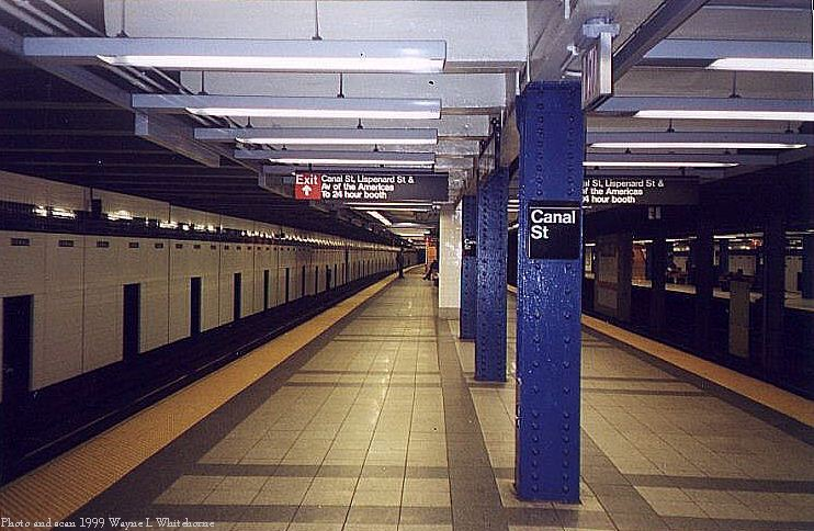 (86k, 742x484)<br><b>Country:</b> United States<br><b>City:</b> New York<br><b>System:</b> New York City Transit<br><b>Line:</b> IND 8th Avenue Line<br><b>Location:</b> Canal Street-Holland Tunnel <br><b>Photo by:</b> Wayne Whitehorne<br><b>Date:</b> 1/16/1999<br><b>Viewed (this week/total):</b> 3 / 3985