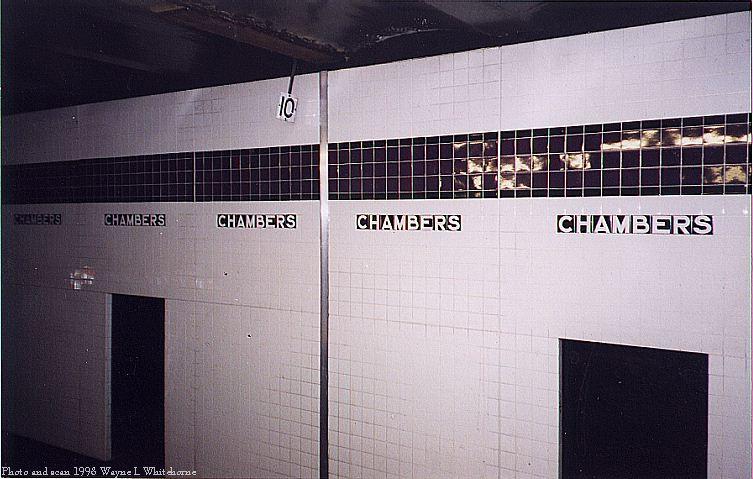 (71k, 753x479)<br><b>Country:</b> United States<br><b>City:</b> New York<br><b>System:</b> New York City Transit<br><b>Line:</b> IND 8th Avenue Line<br><b>Location:</b> Chambers Street/World Trade Center <br><b>Photo by:</b> Wayne Whitehorne<br><b>Date:</b> 12/19/1998<br><b>Notes:</b> New wall tile installation complete-A/C platform<br><b>Viewed (this week/total):</b> 8 / 2682
