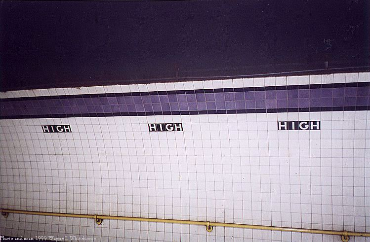 (72k, 749x491)<br><b>Country:</b> United States<br><b>City:</b> New York<br><b>System:</b> New York City Transit<br><b>Line:</b> IND 8th Avenue Line<br><b>Location:</b> High Street/Brooklyn Bridge <br><b>Photo by:</b> Wayne Whitehorne<br><b>Date:</b> 8/14/1999<br><b>Viewed (this week/total):</b> 2 / 3532