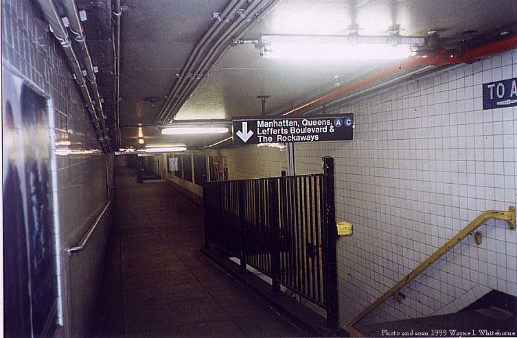 (85k, 753x493)<br><b>Country:</b> United States<br><b>City:</b> New York<br><b>System:</b> New York City Transit<br><b>Line:</b> IND 8th Avenue Line<br><b>Location:</b> High Street/Brooklyn Bridge <br><b>Photo by:</b> Wayne Whitehorne<br><b>Date:</b> 8/14/1999<br><b>Notes:</b> Station mezzanine<br><b>Viewed (this week/total):</b> 11 / 5164