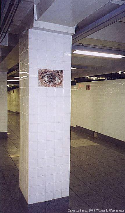 (50k, 430x733)<br><b>Country:</b> United States<br><b>City:</b> New York<br><b>System:</b> New York City Transit<br><b>Line:</b> IND 8th Avenue Line<br><b>Location:</b> Chambers Street/World Trade Center <br><b>Photo by:</b> Wayne Whitehorne<br><b>Date:</b> 4/24/1999<br><b>Artwork:</b> <i>Oculus</i>,  Jones/Ginzel (1998).<br><b>Notes:</b> Art installation, mezzanine pillar.<br><b>Viewed (this week/total):</b> 0 / 5120