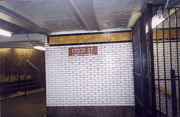 (86k, 742x484)<br><b>Country:</b> United States<br><b>City:</b> New York<br><b>System:</b> New York City Transit<br><b>Line:</b> IND Concourse Line<br><b>Location:</b> 170th Street <br><b>Photo by:</b> Wayne Whitehorne<br><b>Date:</b> 9/24/1999<br><b>Viewed (this week/total):</b> 6 / 3842