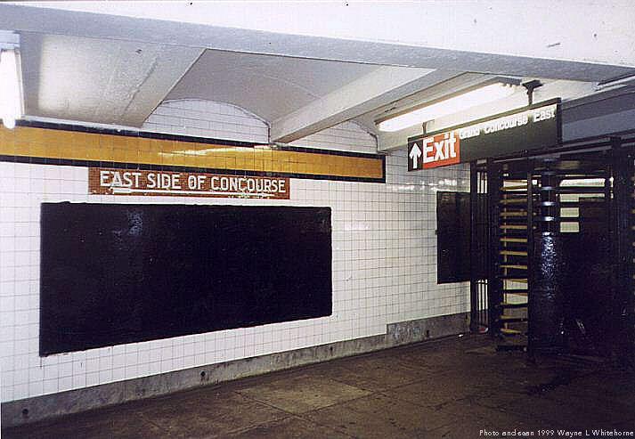 (64k, 713x493)<br><b>Country:</b> United States<br><b>City:</b> New York<br><b>System:</b> New York City Transit<br><b>Line:</b> IND Concourse Line<br><b>Location:</b> 174th/175th Street <br><b>Photo by:</b> Wayne Whitehorne<br><b>Date:</b> 9/24/1999<br><b>Notes:</b> Station exit<br><b>Viewed (this week/total):</b> 0 / 3375