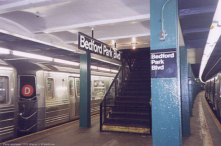 (77k, 743x491)<br><b>Country:</b> United States<br><b>City:</b> New York<br><b>System:</b> New York City Transit<br><b>Line:</b> IND Concourse Line<br><b>Location:</b> Bedford Park Boulevard <br><b>Photo by:</b> Wayne Whitehorne<br><b>Date:</b> 9/24/1999<br><b>Notes:</b> Mezzanine/exit<br><b>Viewed (this week/total):</b> 0 / 3870
