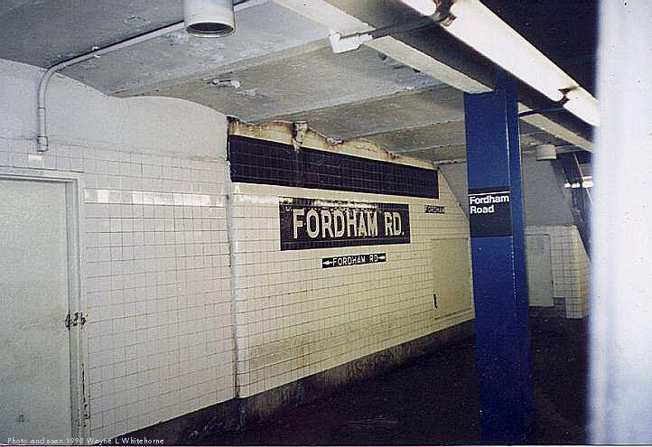 (65k, 722x495)<br><b>Country:</b> United States<br><b>City:</b> New York<br><b>System:</b> New York City Transit<br><b>Line:</b> IND Concourse Line<br><b>Location:</b> Fordham Road <br><b>Photo by:</b> Wayne Whitehorne<br><b>Date:</b> 4/28/1998<br><b>Viewed (this week/total):</b> 0 / 3078
