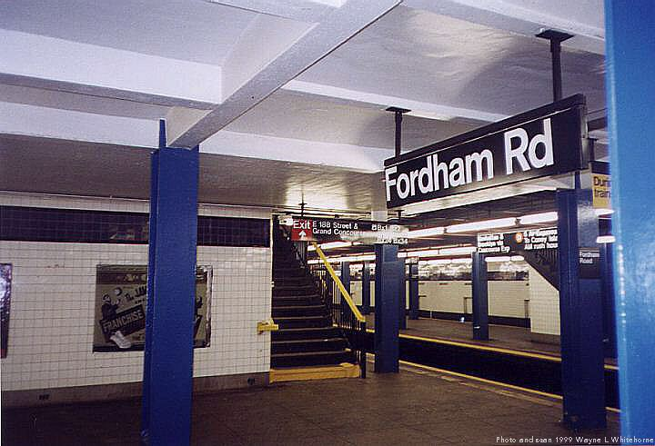 (68k, 720x491)<br><b>Country:</b> United States<br><b>City:</b> New York<br><b>System:</b> New York City Transit<br><b>Line:</b> IND Concourse Line<br><b>Location:</b> Fordham Road <br><b>Photo by:</b> Wayne Whitehorne<br><b>Date:</b> 9/24/1999<br><b>Viewed (this week/total):</b> 5 / 4351