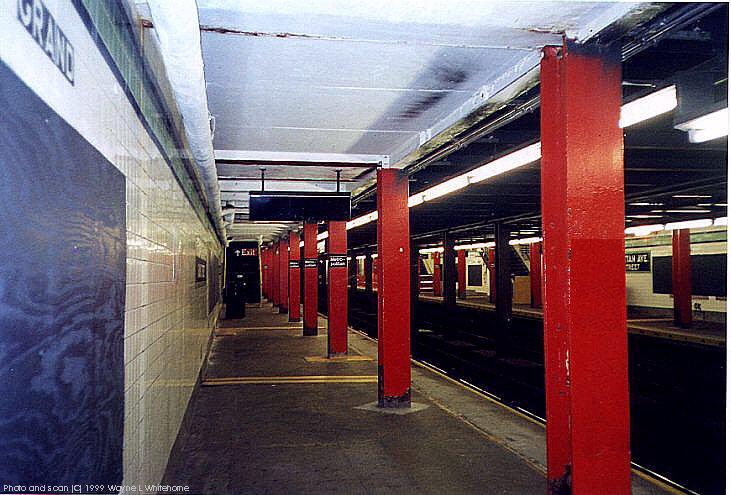 (88k, 731x495)<br><b>Country:</b> United States<br><b>City:</b> New York<br><b>System:</b> New York City Transit<br><b>Line:</b> IND Crosstown Line<br><b>Location:</b> Metropolitan Avenue/Grand Street <br><b>Photo by:</b> Wayne Whitehorne<br><b>Date:</b> 1/28/1999<br><b>Viewed (this week/total):</b> 4 / 5349