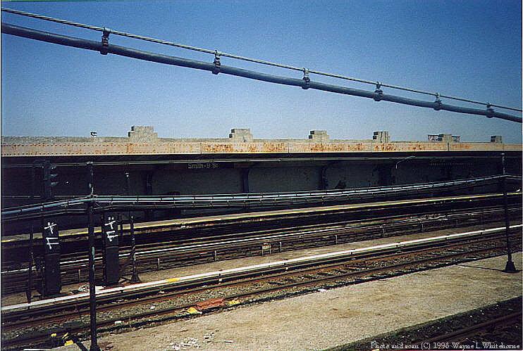 (109k, 742x499)<br><b>Country:</b> United States<br><b>City:</b> New York<br><b>System:</b> New York City Transit<br><b>Line:</b> IND Crosstown Line<br><b>Location:</b> Smith/9th Street <br><b>Photo by:</b> Wayne Whitehorne<br><b>Date:</b> 8/21/1998<br><b>Notes:</b> Smith-9th Street station view<br><b>Viewed (this week/total):</b> 1 / 2548
