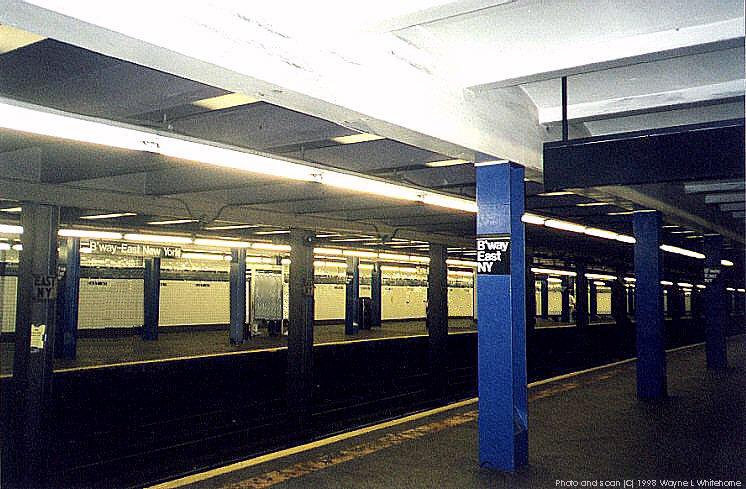 (92k, 746x489)<br><b>Country:</b> United States<br><b>City:</b> New York<br><b>System:</b> New York City Transit<br><b>Line:</b> IND Fulton Street Line<br><b>Location:</b> Broadway/East New York (Broadway Junction) <br><b>Photo by:</b> Wayne Whitehorne<br><b>Date:</b> 5/28/1998<br><b>Viewed (this week/total):</b> 0 / 4247