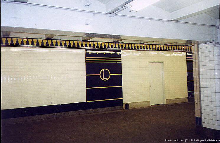 (71k, 745x486)<br><b>Country:</b> United States<br><b>City:</b> New York<br><b>System:</b> New York City Transit<br><b>Line:</b> IND Fulton Street Line<br><b>Location:</b> Hoyt-Schermerhorn Street <br><b>Photo by:</b> Wayne Whitehorne<br><b>Date:</b> 1/28/1999<br><b>Notes:</b> Loesser's Department Store logo<br><b>Viewed (this week/total):</b> 0 / 4375