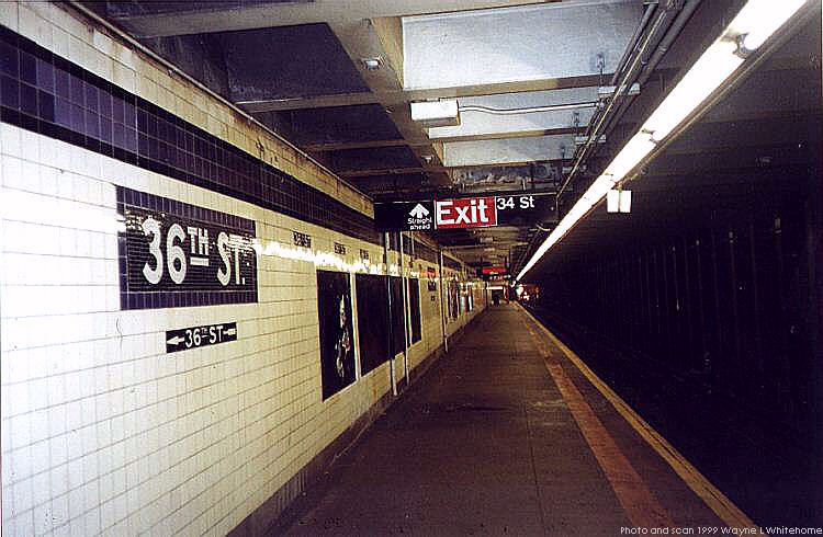 (72k, 750x490)<br><b>Country:</b> United States<br><b>City:</b> New York<br><b>System:</b> New York City Transit<br><b>Line:</b> IND Queens Boulevard Line<br><b>Location:</b> 36th Street <br><b>Photo by:</b> Wayne Whitehorne<br><b>Date:</b> 12/11/1999<br><b>Viewed (this week/total):</b> 2 / 3653