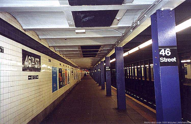 (80k, 750x488)<br><b>Country:</b> United States<br><b>City:</b> New York<br><b>System:</b> New York City Transit<br><b>Line:</b> IND Queens Boulevard Line<br><b>Location:</b> 46th Street <br><b>Photo by:</b> Wayne Whitehorne<br><b>Date:</b> 12/11/1999<br><b>Viewed (this week/total):</b> 3 / 4029