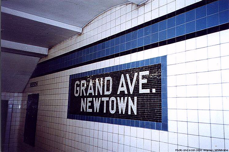 (78k, 745x496)<br><b>Country:</b> United States<br><b>City:</b> New York<br><b>System:</b> New York City Transit<br><b>Line:</b> IND Queens Boulevard Line<br><b>Location:</b> Grand Avenue/Newtown <br><b>Photo by:</b> Wayne Whitehorne<br><b>Date:</b> 1/8/2000<br><b>Viewed (this week/total):</b> 3 / 3201