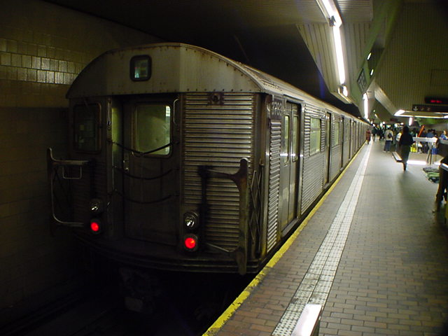 (59k, 640x480)<br><b>Country:</b> United States<br><b>City:</b> New York<br><b>System:</b> New York City Transit<br><b>Line:</b> IND Queens Boulevard Line<br><b>Location:</b> Jamaica Center/Parsons-Archer <br><b>Car:</b> R-32 (Budd, 1964)  3783 <br><b>Photo by:</b> Salaam Allah<br><b>Date:</b> 10/27/2000<br><b>Viewed (this week/total):</b> 1 / 7783