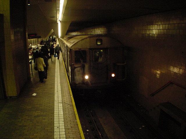 (62k, 640x480)<br><b>Country:</b> United States<br><b>City:</b> New York<br><b>System:</b> New York City Transit<br><b>Line:</b> IND Queens Boulevard Line<br><b>Location:</b> Jamaica Center/Parsons-Archer <br><b>Car:</b> R-32 (Budd, 1964)   <br><b>Photo by:</b> Salaam Allah<br><b>Date:</b> 10/27/2000<br><b>Viewed (this week/total):</b> 1 / 7090