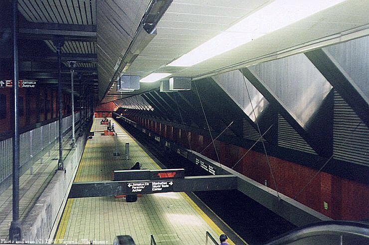 (96k, 740x492)<br><b>Country:</b> United States<br><b>City:</b> New York<br><b>System:</b> New York City Transit<br><b>Line:</b> IND Queens Boulevard Line<br><b>Location:</b> Jamaica/Van Wyck<br><b>Photo by:</b> Wayne Whitehorne<br><b>Date:</b> 1998<br><b>Notes:</b> View from mezzanine<br><b>Viewed (this week/total):</b> 2 / 7053