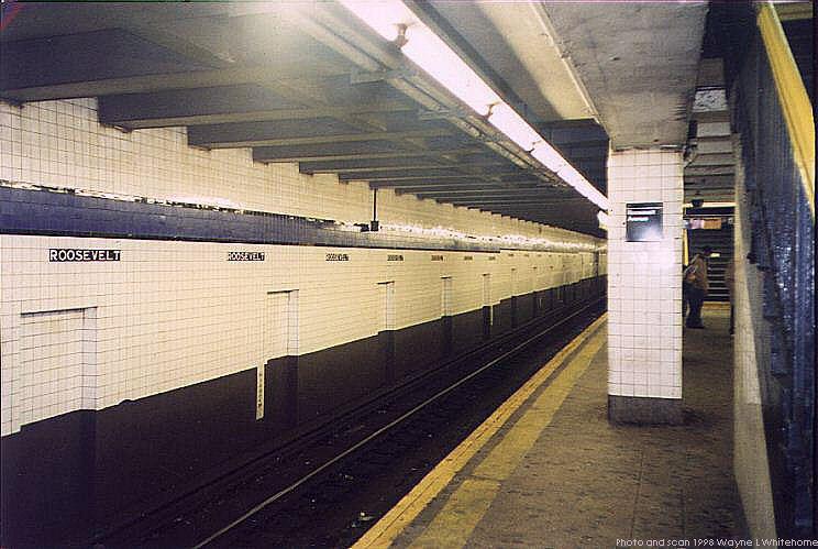 (72k, 744x499)<br><b>Country:</b> United States<br><b>City:</b> New York<br><b>System:</b> New York City Transit<br><b>Line:</b> IND Queens Boulevard Line<br><b>Location:</b> Roosevelt Avenue <br><b>Photo by:</b> Wayne Whitehorne<br><b>Date:</b> 2/7/1998<br><b>Viewed (this week/total):</b> 6 / 5966