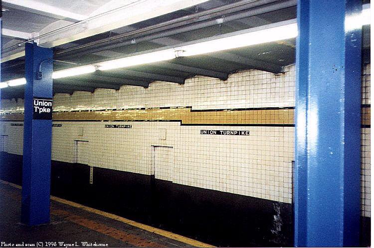 (90k, 750x497)<br><b>Country:</b> United States<br><b>City:</b> New York<br><b>System:</b> New York City Transit<br><b>Line:</b> IND Queens Boulevard Line<br><b>Location:</b> Union Turnpike/Kew Gardens <br><b>Photo by:</b> Wayne Whitehorne<br><b>Date:</b> 1/3/1998<br><b>Viewed (this week/total):</b> 0 / 2795