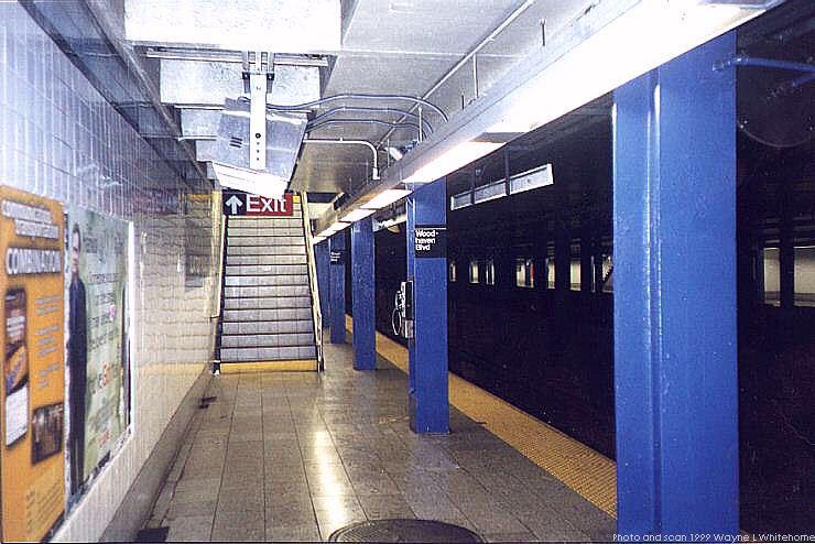 (75k, 740x494)<br><b>Country:</b> United States<br><b>City:</b> New York<br><b>System:</b> New York City Transit<br><b>Line:</b> IND Queens Boulevard Line<br><b>Location:</b> Woodhaven Boulevard/Queens Mall <br><b>Photo by:</b> Wayne Whitehorne<br><b>Date:</b> 1/9/1999<br><b>Viewed (this week/total):</b> 6 / 6164