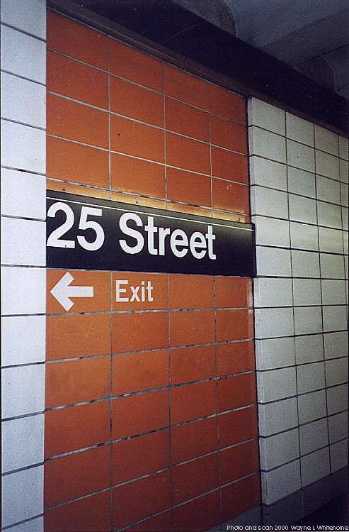 (64k, 493x750)<br><b>Country:</b> United States<br><b>City:</b> New York<br><b>System:</b> New York City Transit<br><b>Line:</b> BMT 4th Avenue<br><b>Location:</b> 25th Street <br><b>Photo by:</b> Wayne Whitehorne<br><b>Date:</b> 1/15/2000<br><b>Notes:</b> 1960s refrigerator tile<br><b>Viewed (this week/total):</b> 3 / 3132