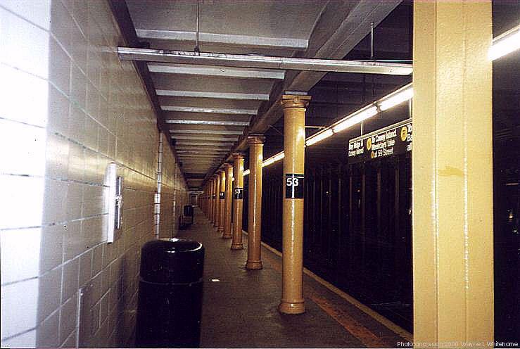 (64k, 739x496)<br><b>Country:</b> United States<br><b>City:</b> New York<br><b>System:</b> New York City Transit<br><b>Line:</b> BMT 4th Avenue<br><b>Location:</b> 53rd Street <br><b>Photo by:</b> Wayne Whitehorne<br><b>Date:</b> 1/15/2000<br><b>Viewed (this week/total):</b> 2 / 3662
