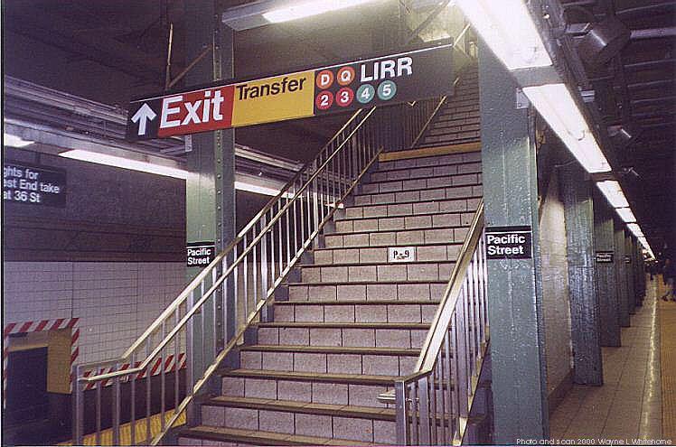 (83k, 748x495)<br><b>Country:</b> United States<br><b>City:</b> New York<br><b>System:</b> New York City Transit<br><b>Line:</b> BMT 4th Avenue<br><b>Location:</b> Pacific Street <br><b>Photo by:</b> Wayne Whitehorne<br><b>Date:</b> 4/15/2000<br><b>Notes:</b> Exit stairs<br><b>Viewed (this week/total):</b> 3 / 5601