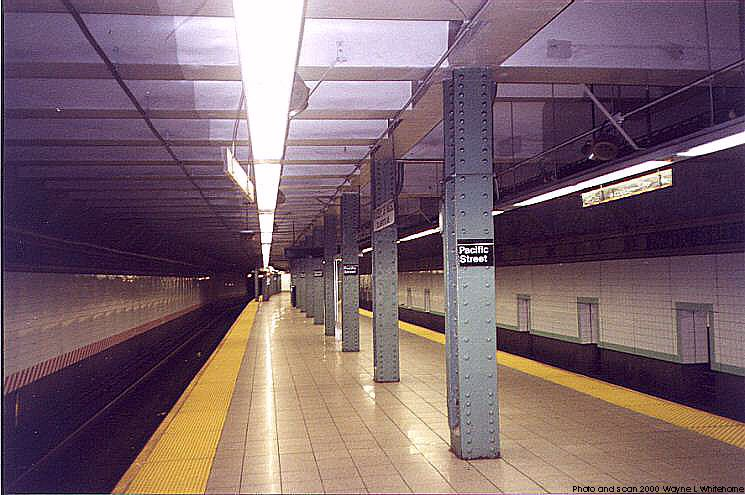 (73k, 745x495)<br><b>Country:</b> United States<br><b>City:</b> New York<br><b>System:</b> New York City Transit<br><b>Line:</b> BMT 4th Avenue<br><b>Location:</b> Pacific Street <br><b>Photo by:</b> Wayne Whitehorne<br><b>Date:</b> 4/15/2000<br><b>Viewed (this week/total):</b> 0 / 4512