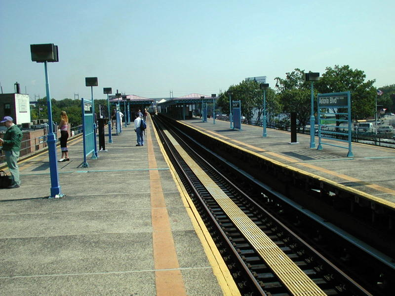 (99k, 800x600)<br><b>Country:</b> United States<br><b>City:</b> New York<br><b>System:</b> New York City Transit<br><b>Line:</b> BMT Astoria Line<br><b>Location:</b> Astoria Boulevard/Hoyt Avenue <br><b>Route:</b> N<br><b>Photo by:</b> Todd Glickman<br><b>Date:</b> 8/10/2000<br><b>Viewed (this week/total):</b> 0 / 2812