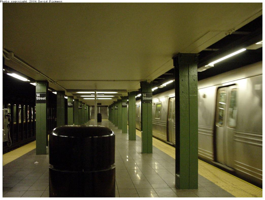 (101k, 1044x788)<br><b>Country:</b> United States<br><b>City:</b> New York<br><b>System:</b> New York City Transit<br><b>Line:</b> BMT Broadway Line<br><b>Location:</b> 14th Street/Union Square <br><b>Photo by:</b> David Pirmann<br><b>Date:</b> 7/3/2000<br><b>Viewed (this week/total):</b> 2 / 4953