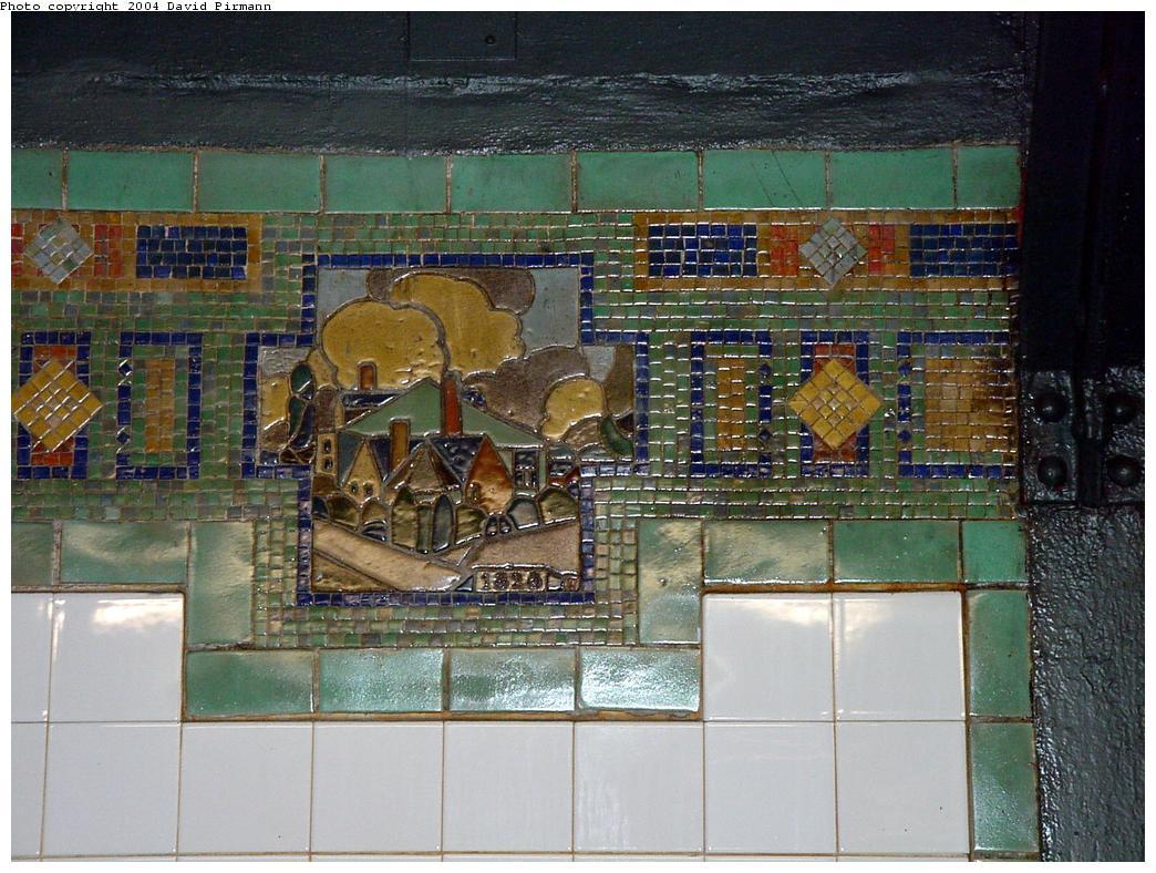 (160k, 1044x788)<br><b>Country:</b> United States<br><b>City:</b> New York<br><b>System:</b> New York City Transit<br><b>Line:</b> BMT Broadway Line<br><b>Location:</b> 14th Street/Union Square <br><b>Photo by:</b> David Pirmann<br><b>Date:</b> 7/3/2000<br><b>Viewed (this week/total):</b> 0 / 3182