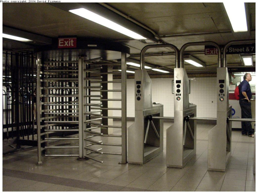 (120k, 1044x788)<br><b>Country:</b> United States<br><b>City:</b> New York<br><b>System:</b> New York City Transit<br><b>Line:</b> BMT Broadway Line<br><b>Location:</b> 57th Street <br><b>Photo by:</b> David Pirmann<br><b>Date:</b> 7/3/2000<br><b>Viewed (this week/total):</b> 0 / 3216