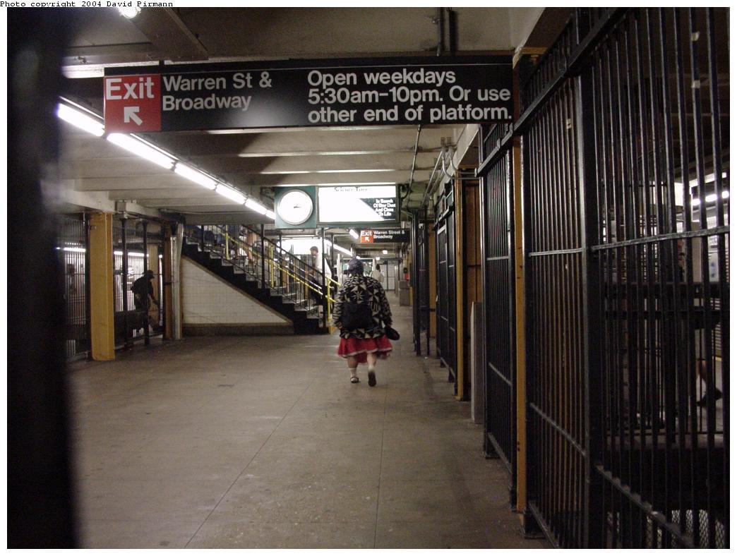 (125k, 1044x788)<br><b>Country:</b> United States<br><b>City:</b> New York<br><b>System:</b> New York City Transit<br><b>Line:</b> BMT Broadway Line<br><b>Location:</b> City Hall <br><b>Photo by:</b> David Pirmann<br><b>Date:</b> 7/3/2000<br><b>Viewed (this week/total):</b> 0 / 5681