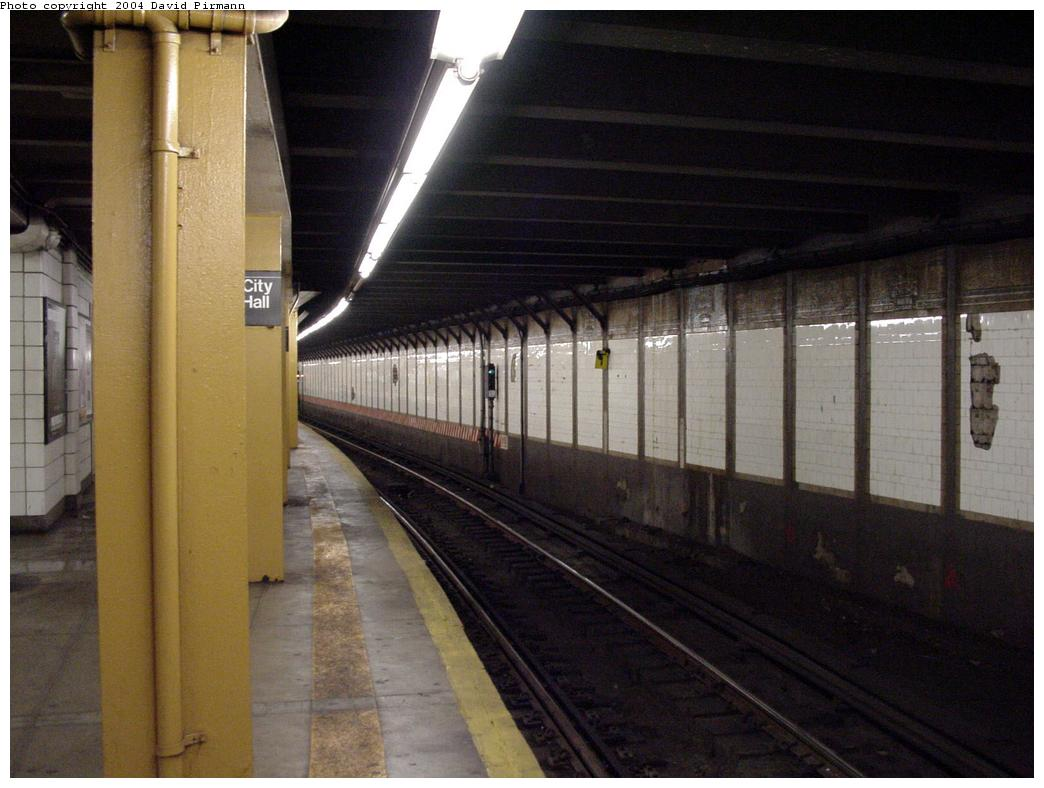 (107k, 1044x788)<br><b>Country:</b> United States<br><b>City:</b> New York<br><b>System:</b> New York City Transit<br><b>Line:</b> BMT Broadway Line<br><b>Location:</b> City Hall <br><b>Photo by:</b> David Pirmann<br><b>Date:</b> 7/3/2000<br><b>Viewed (this week/total):</b> 2 / 4970