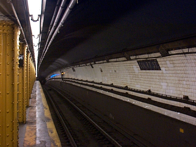 (121k, 640x480)<br><b>Country:</b> United States<br><b>City:</b> New York<br><b>System:</b> New York City Transit<br><b>Line:</b> BMT Broadway Line<br><b>Location:</b> Court Street <br><b>Photo by:</b> Richard Brome<br><b>Date:</b> 3/18/1999<br><b>Viewed (this week/total):</b> 5 / 5378