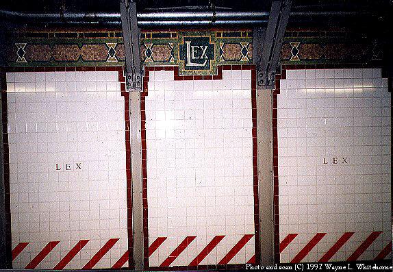 (88k, 574x397)<br><b>Country:</b> United States<br><b>City:</b> New York<br><b>System:</b> New York City Transit<br><b>Line:</b> BMT Broadway Line<br><b>Location:</b> Lexington Avenue (59th Street) <br><b>Photo by:</b> Wayne Whitehorne<br><b>Date:</b> 1997<br><b>Viewed (this week/total):</b> 1 / 3784