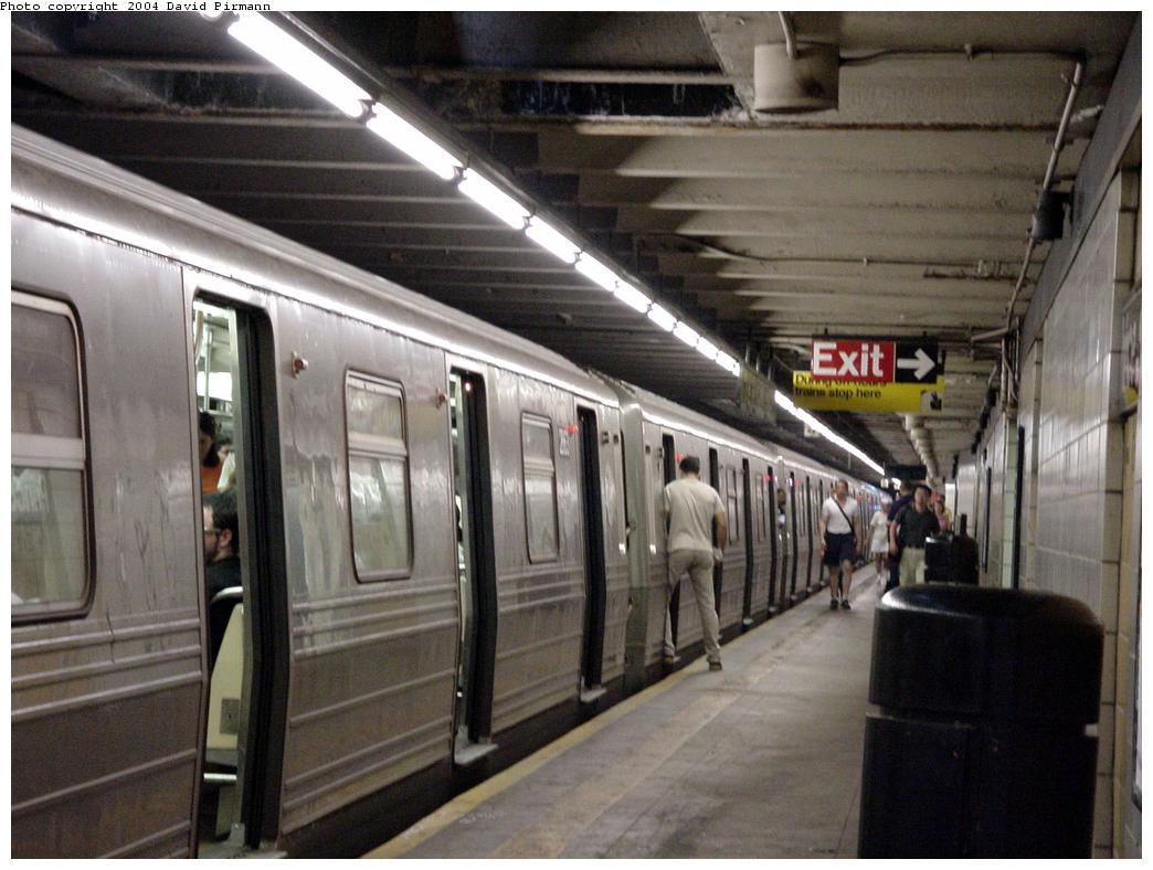 (122k, 1044x788)<br><b>Country:</b> United States<br><b>City:</b> New York<br><b>System:</b> New York City Transit<br><b>Line:</b> BMT Broadway Line<br><b>Location:</b> Prince Street <br><b>Photo by:</b> David Pirmann<br><b>Date:</b> 7/3/2000<br><b>Viewed (this week/total):</b> 0 / 6063