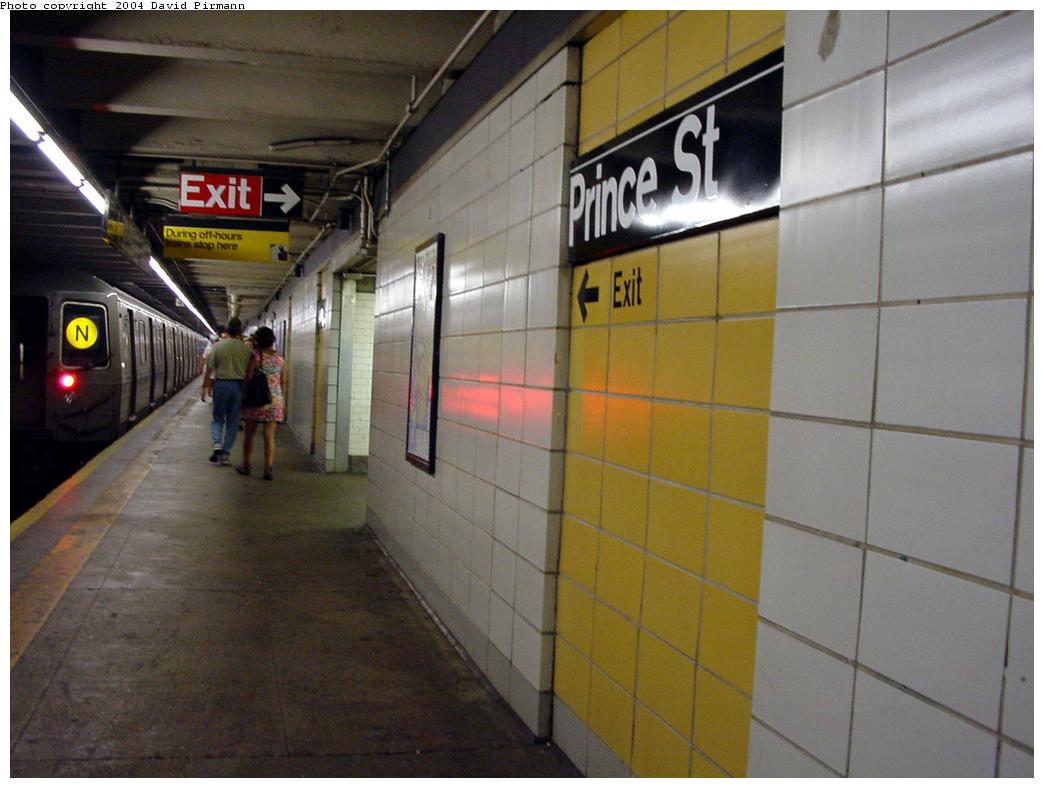 (101k, 1044x788)<br><b>Country:</b> United States<br><b>City:</b> New York<br><b>System:</b> New York City Transit<br><b>Line:</b> BMT Broadway Line<br><b>Location:</b> Prince Street <br><b>Photo by:</b> David Pirmann<br><b>Date:</b> 7/3/2000<br><b>Viewed (this week/total):</b> 0 / 7047