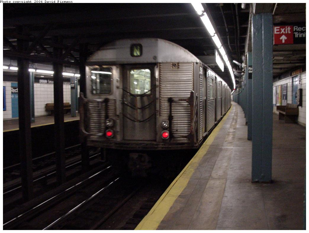 (108k, 1044x788)<br><b>Country:</b> United States<br><b>City:</b> New York<br><b>System:</b> New York City Transit<br><b>Line:</b> BMT Broadway Line<br><b>Location:</b> Rector Street <br><b>Car:</b> R-32 (Budd, 1964)   <br><b>Photo by:</b> David Pirmann<br><b>Date:</b> 7/3/2000<br><b>Viewed (this week/total):</b> 0 / 8055