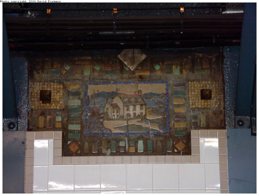 (100k, 1044x788)<br><b>Country:</b> United States<br><b>City:</b> New York<br><b>System:</b> New York City Transit<br><b>Line:</b> BMT Broadway Line<br><b>Location:</b> Whitehall Street <br><b>Photo by:</b> David Pirmann<br><b>Date:</b> 7/3/2000<br><b>Viewed (this week/total):</b> 1 / 2081