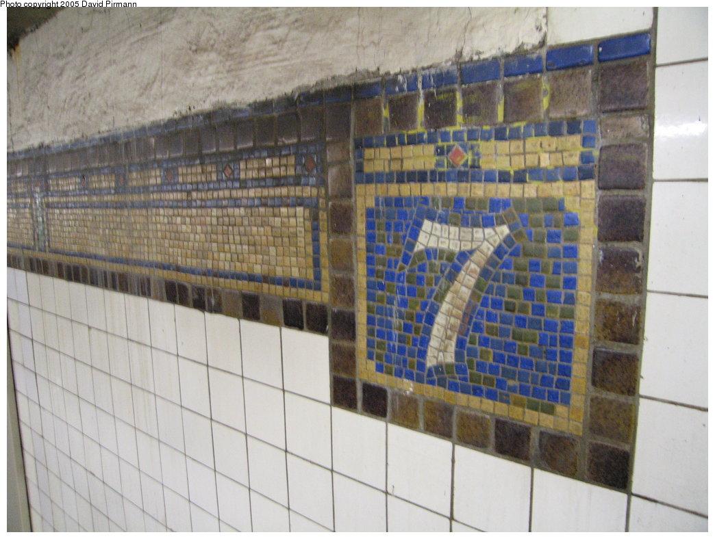 (172k, 1044x788)<br><b>Country:</b> United States<br><b>City:</b> New York<br><b>System:</b> New York City Transit<br><b>Line:</b> BMT Brighton Line<br><b>Location:</b> 7th Avenue <br><b>Photo by:</b> David Pirmann<br><b>Date:</b> 12/30/2005<br><b>Viewed (this week/total):</b> 0 / 3126