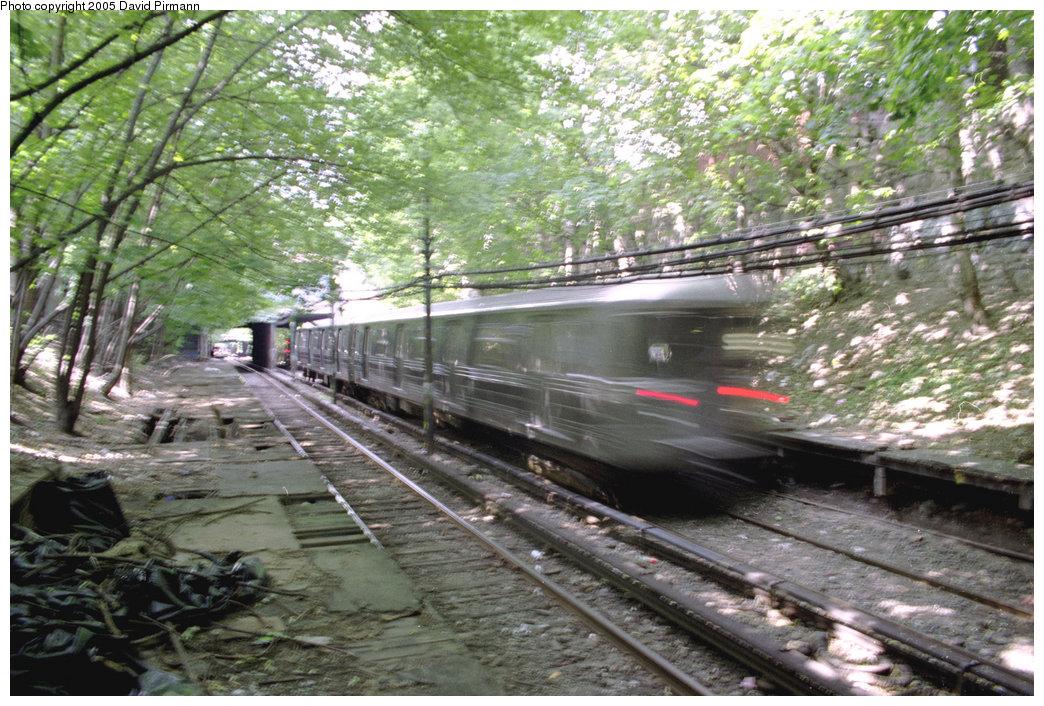 (267k, 1044x706)<br><b>Country:</b> United States<br><b>City:</b> New York<br><b>System:</b> New York City Transit<br><b>Line:</b> BMT Franklin<br><b>Location:</b> Botanic Garden <br><b>Route:</b> Franklin Shuttle<br><b>Photo by:</b> David Pirmann<br><b>Date:</b> 7/18/1998<br><b>Viewed (this week/total):</b> 2 / 5922