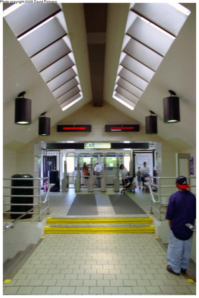 (170k, 697x1044)<br><b>Country:</b> United States<br><b>City:</b> New York<br><b>System:</b> New York City Transit<br><b>Line:</b> BMT Brighton Line<br><b>Location:</b> Newkirk Plaza (fmrly Newkirk Ave.) <br><b>Photo by:</b> David Pirmann<br><b>Date:</b> 7/18/1998<br><b>Notes:</b> Mezzanine/station house<br><b>Viewed (this week/total):</b> 4 / 5088