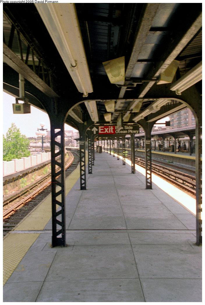 (196k, 704x1045)<br><b>Country:</b> United States<br><b>City:</b> New York<br><b>System:</b> New York City Transit<br><b>Line:</b> BMT Brighton Line<br><b>Location:</b> Ocean Parkway <br><b>Photo by:</b> David Pirmann<br><b>Date:</b> 7/18/1998<br><b>Viewed (this week/total):</b> 0 / 3894