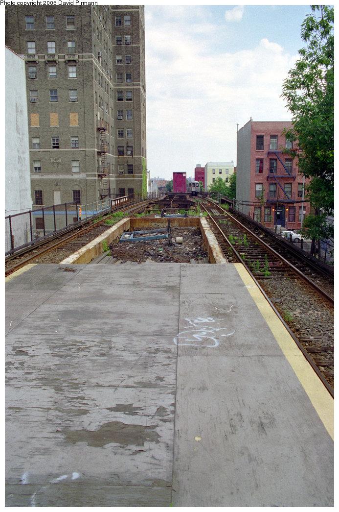 (225k, 693x1045)<br><b>Country:</b> United States<br><b>City:</b> New York<br><b>System:</b> New York City Transit<br><b>Line:</b> BMT Franklin<br><b>Location:</b> Park Place <br><b>Route:</b> Franklin Shuttle<br><b>Photo by:</b> David Pirmann<br><b>Date:</b> 7/18/1998<br><b>Viewed (this week/total):</b> 0 / 5543
