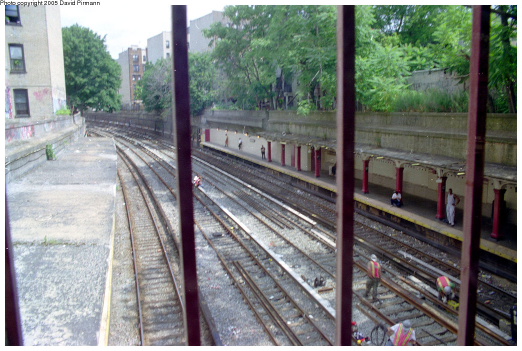 (241k, 1044x703)<br><b>Country:</b> United States<br><b>City:</b> New York<br><b>System:</b> New York City Transit<br><b>Line:</b> BMT Brighton Line<br><b>Location:</b> Parkside Avenue <br><b>Photo by:</b> David Pirmann<br><b>Date:</b> 7/18/1998<br><b>Viewed (this week/total):</b> 2 / 3561