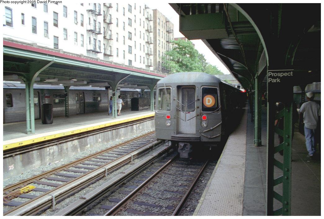 (200k, 1044x704)<br><b>Country:</b> United States<br><b>City:</b> New York<br><b>System:</b> New York City Transit<br><b>Line:</b> BMT Brighton Line<br><b>Location:</b> Prospect Park <br><b>Route:</b> D<br><b>Car:</b> R-68/R-68A Series (Number Unknown)  <br><b>Photo by:</b> David Pirmann<br><b>Date:</b> 7/18/1998<br><b>Viewed (this week/total):</b> 3 / 6417
